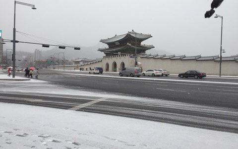 【韓国国内旅行】雪降る光化門!